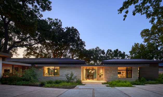 A Contemporary Lake Residence in Austin